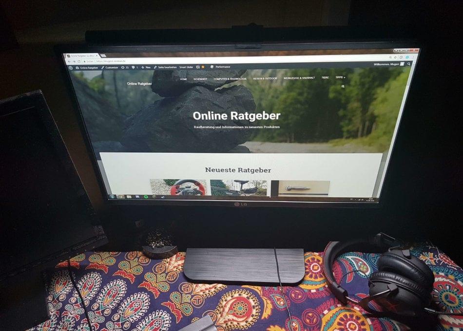 benq-screenbar-im-einsatz-nacht-kalt-950x680